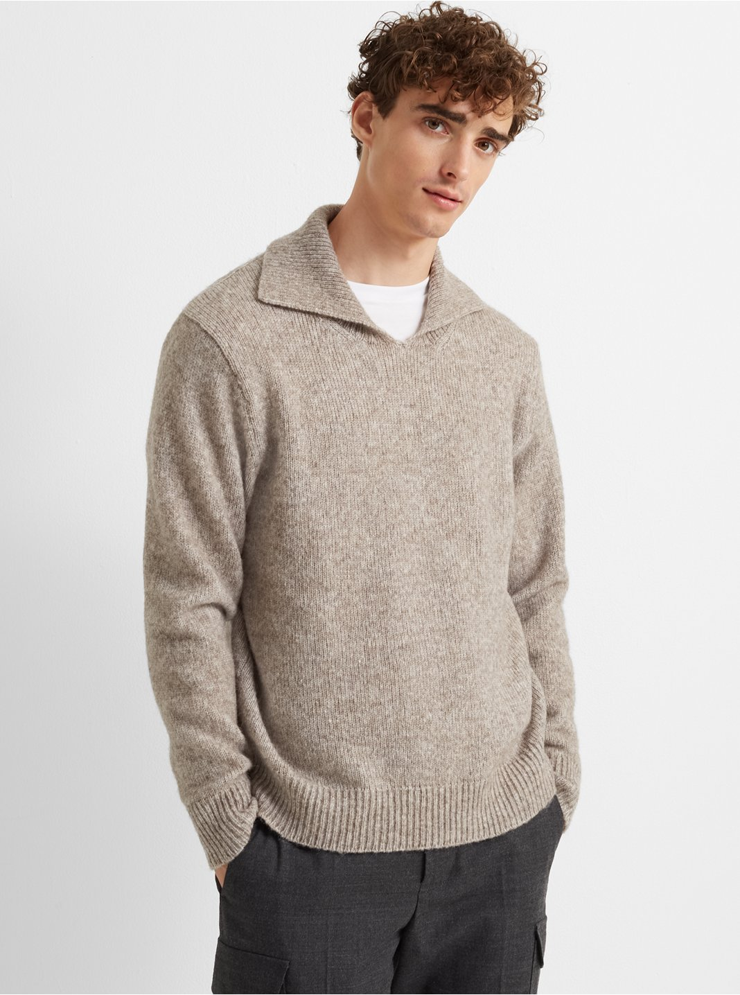 클럽 모나코 스웨터 Club Monaco Split-Neck Sweater,Oatmeal