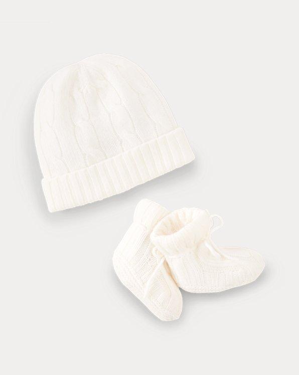 Mütze und Babyschuhe aus Kaschmir
