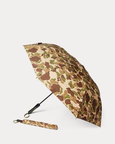Schirm mit Camouflagemuster