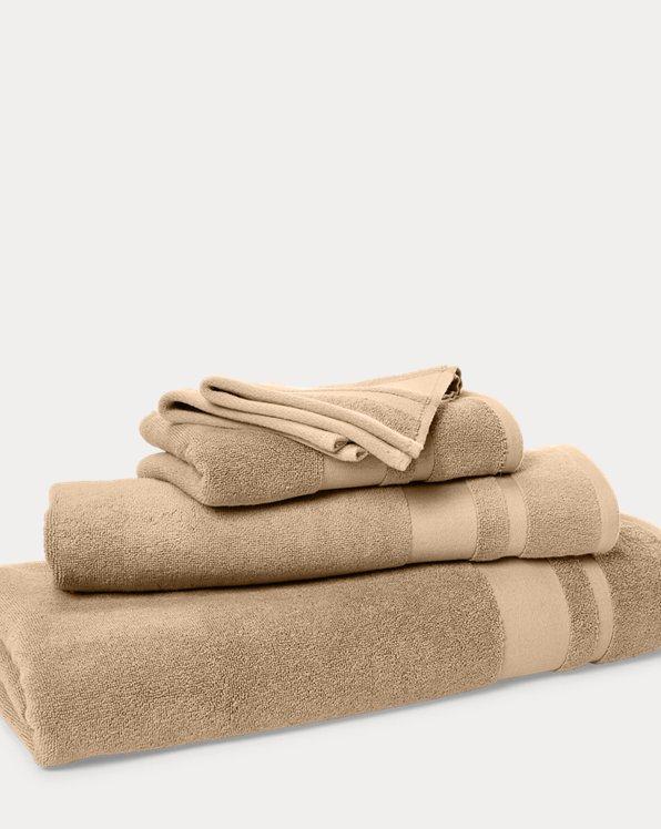 Wilton Signature Towels & Mat