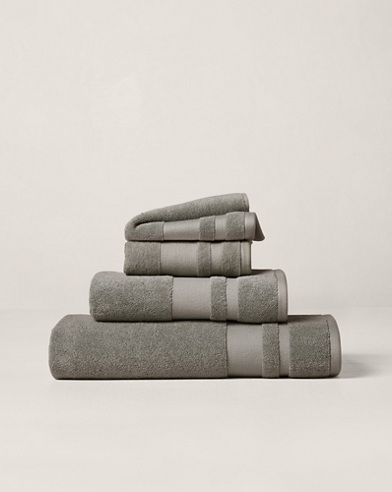 Wilton Signature Towels & Mat