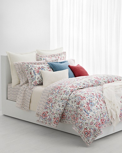 Lucie Bedding Collection