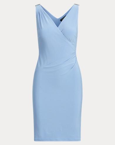 Ärmelloses Kleid mit V-Ausschnitt