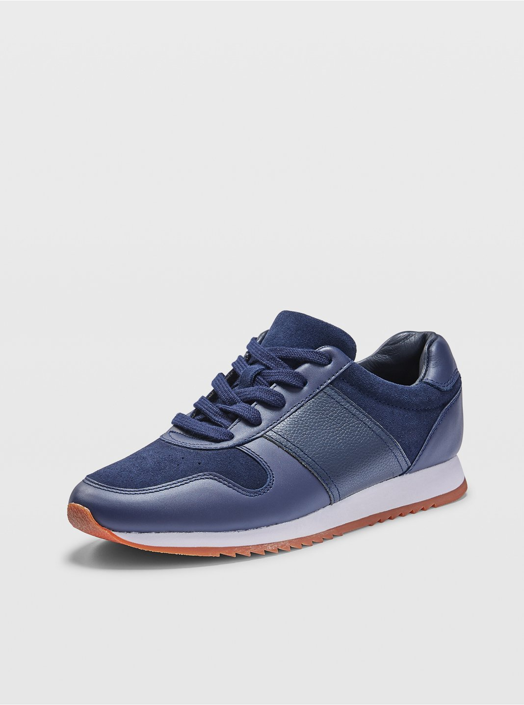 Zoe Runner Sneaker