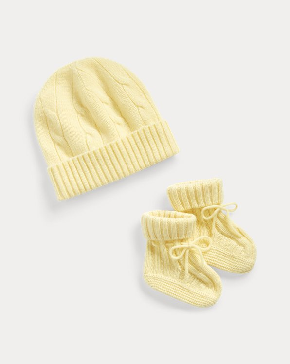 Cable-Knit Hat & Bootie Set