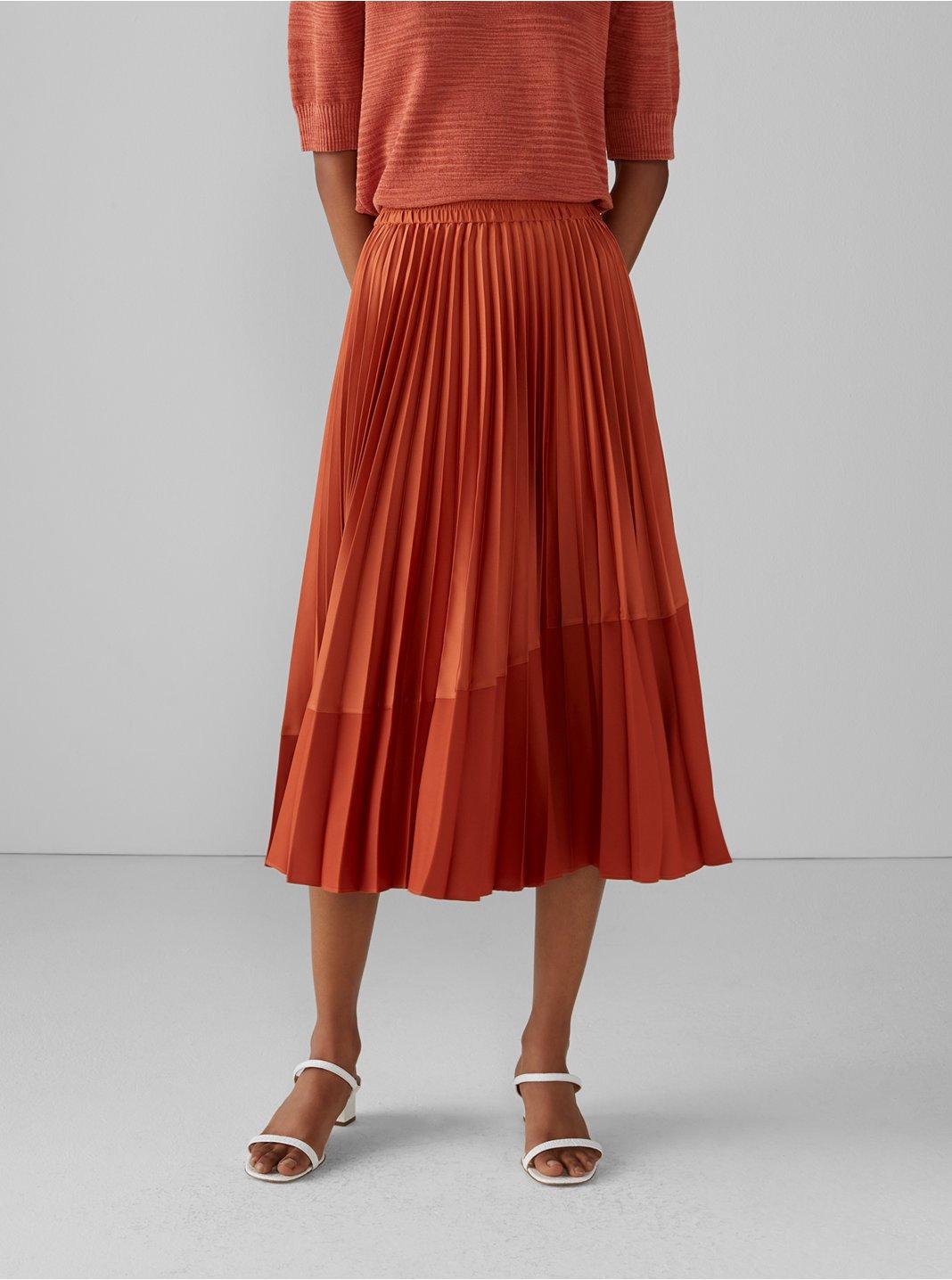 Pleated Curve Seam Skirt