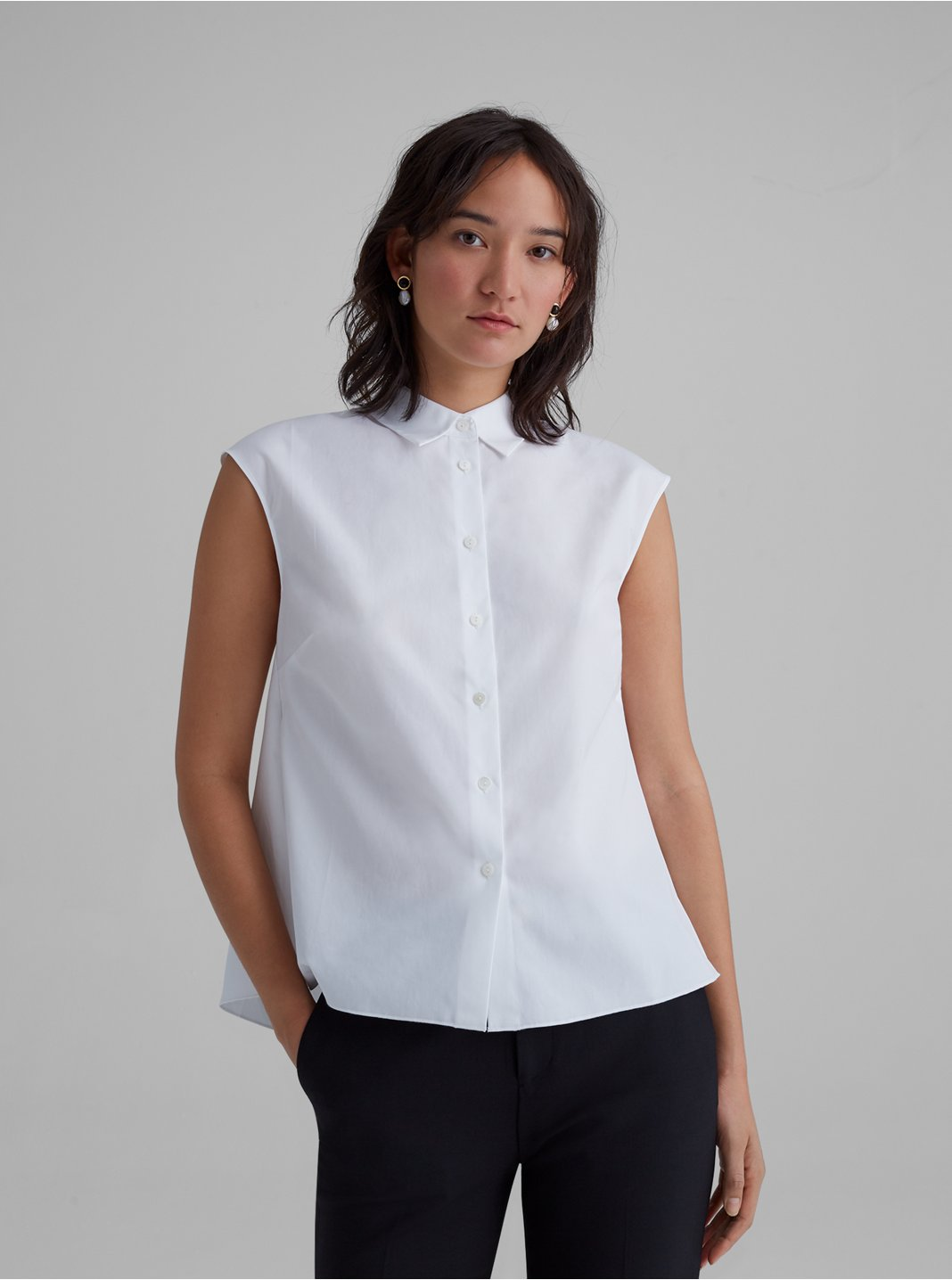 Easy Sleeveless Shirt