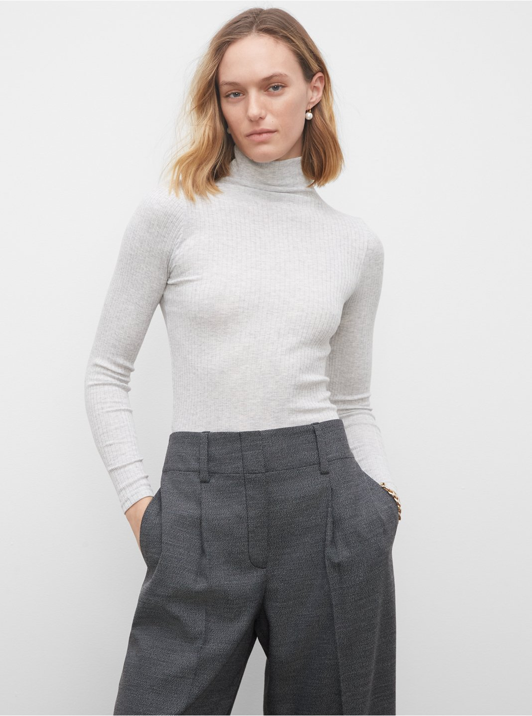Julie Ribbed Turtleneck