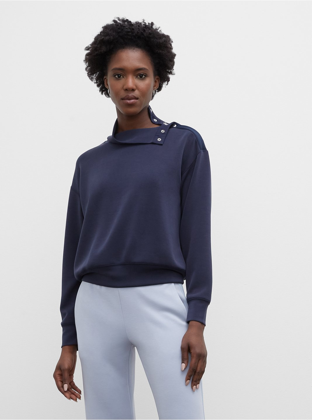 Snap Mockneck Sweatshirt