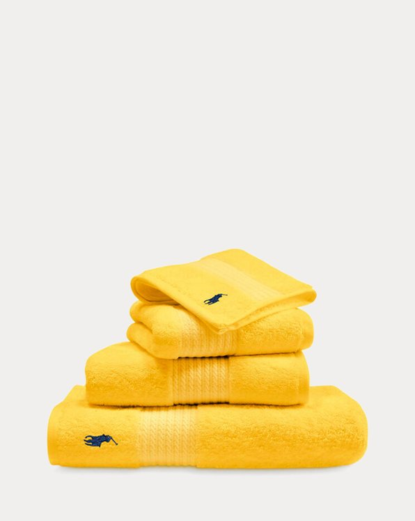 Signature Pony Towels & Mat