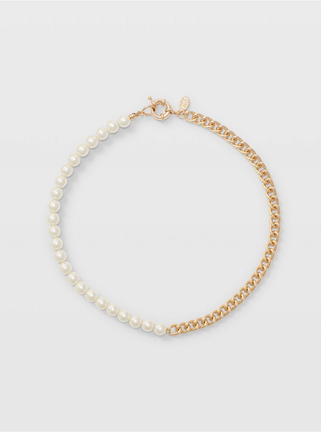 Asymmetric Pearl Necklace